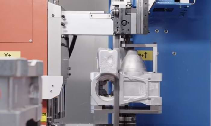Impianti robotici per sbavatura nella fonderia