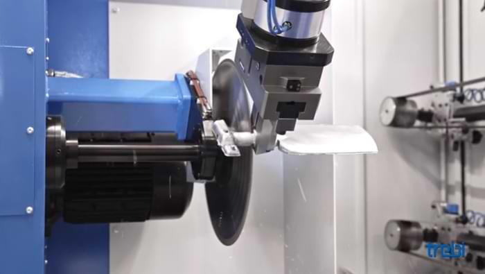 Gli impianti robotizzati da sbavatura sono molto efficienti