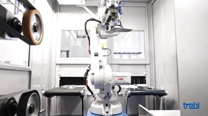 Interno di un'isola robotizzata per la sbavatura