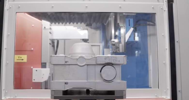 Interno di una cella robot sbavatura trebi