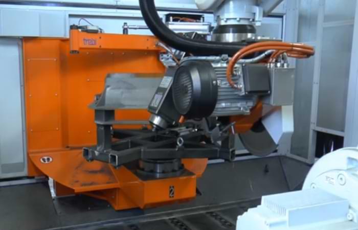 Le macchine per la sbavatura della ghisa offrono tanti vantaggi