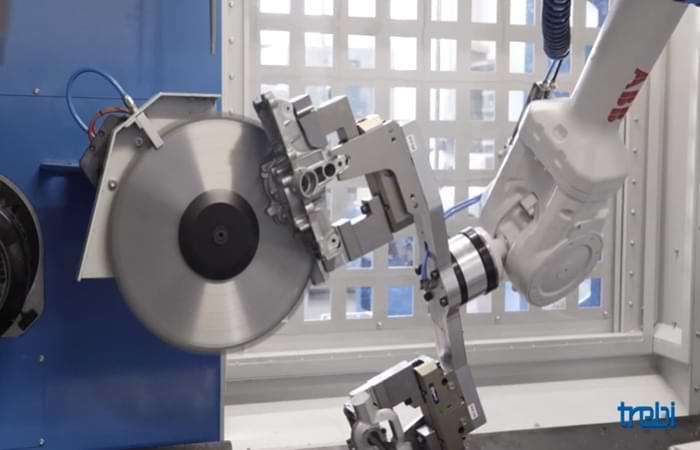 Taglio e sbavatura con robot