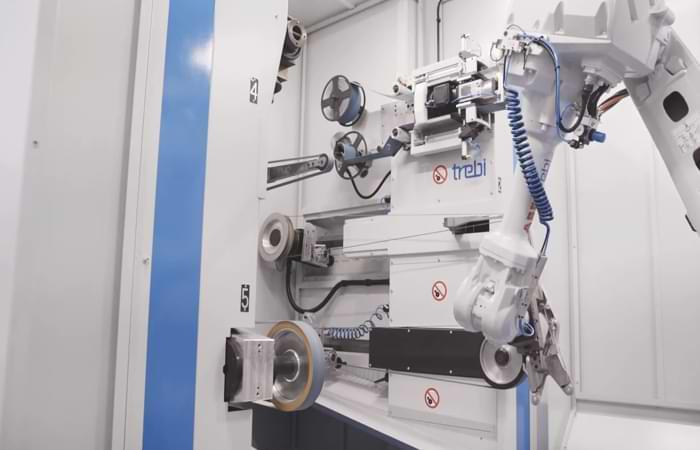 Le macchine da sbavatura automatizzate sono la soluzione più sicura per la fonderia